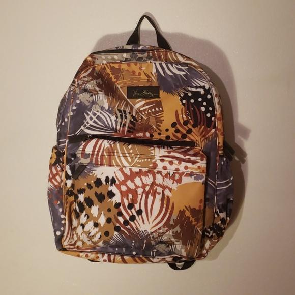 Vera Bradley bookbag. M 5c3bfa7f7386bcabb701c471 951bb57f6f84d